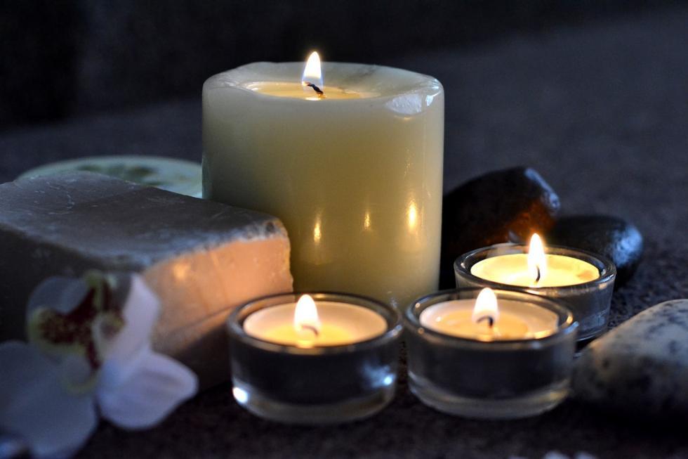 Pasjonująca historia  świec – poznaj surowce doich produkcji