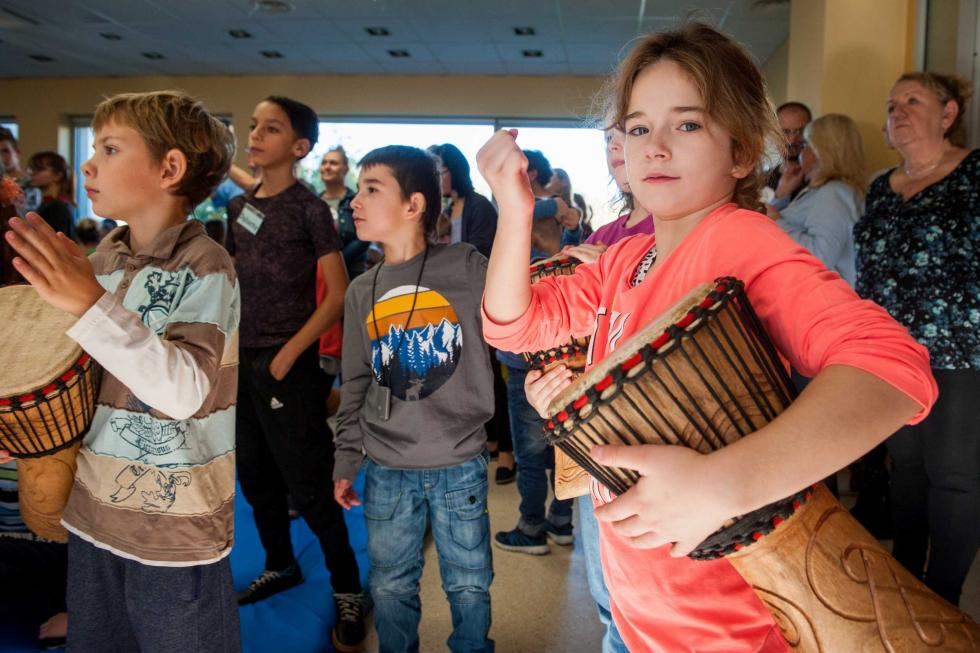 150-osobowa orkiestra niesłyszących dzieci zagrała weWrocławiu