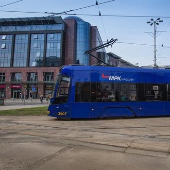 Jest projekt budżetu Wrocławia na 2021 rok – wydatki – 5,9 mld zł, dochody – 5,4 mld zł, deficyt – 525 mln złotych